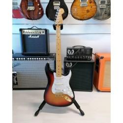 Fender American Standard Stratocaster Maple Fingerboard 3 Color Sunburst